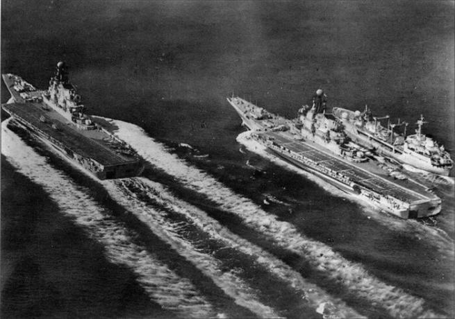 In the 1940s, aircraft carriers as part of it was not the Soviet Navy. / Photo: livejournal.com