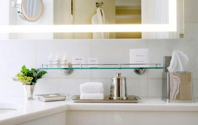 The snow-white bathroom: 5 cleanliness secrets from luxury hotels workers