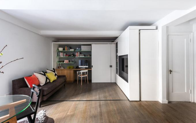 The apartment is 36 square meters with transformable structures.