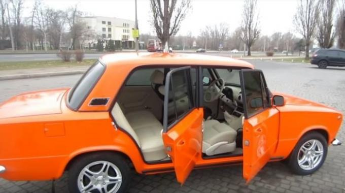 "Tuning level 80: resident of Zaporozhye has made ""Penny"" in the luxury sedan"