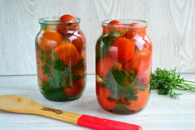 Tomatoes with carrot tops