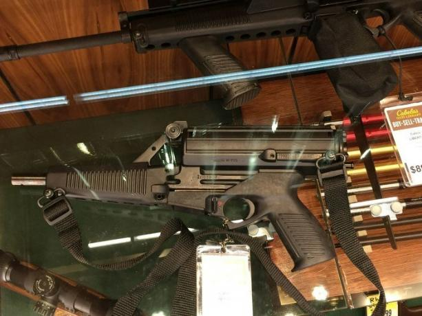 Submachine gun Calico M960: the strangest weapons American engineers